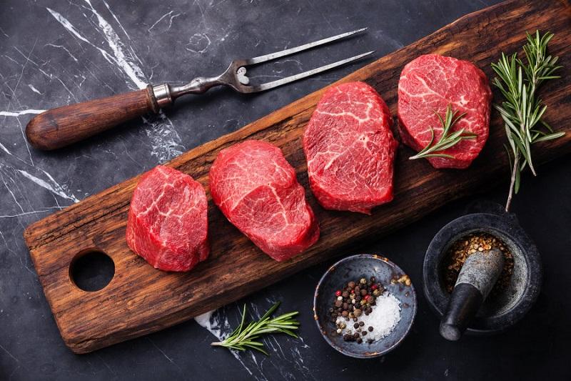 https: img.okezone.com content 2018 07 19 481 1924725 konsumsi-daging-olahan-tingkatkan-risiko-gangguan-mental-tl148ClMyN.jpg