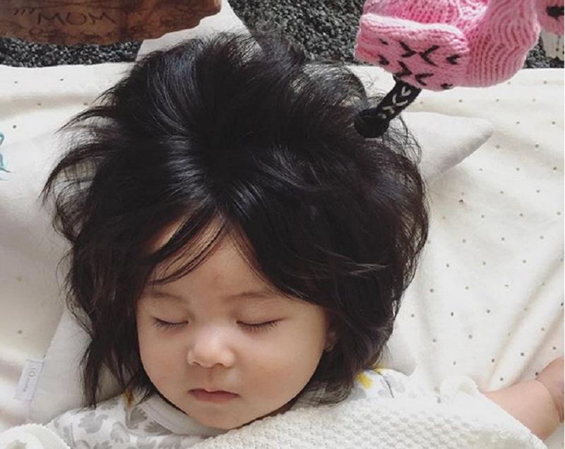 Bayi Umur 6 Bulan Ini Punya Rambut Gondrong Yang Menggemaskan Okezone Lifestyle