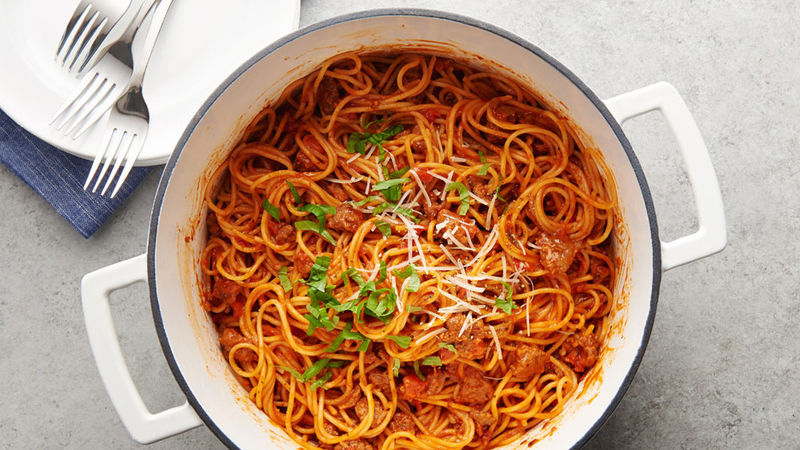 https: img.okezone.com content 2018 07 23 298 1925999 bosan-saus-bolognaise-jajal-bikin-spaghetti-saus-kari-nusantara-yuk-AvAZAlZMBL.jpg