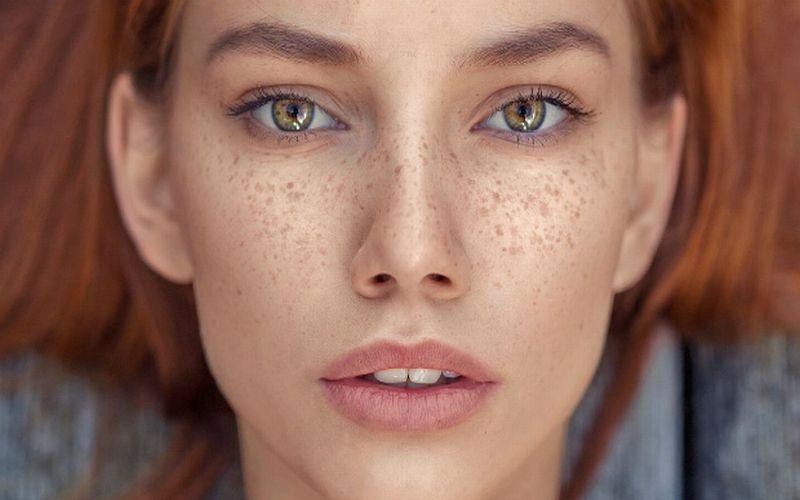 https: img.okezone.com content 2018 07 24 194 1926463 titi-kamal-luna-maya-hingga-chelsea-islan-ikutan-tren-make-up-freckles-lebih-cantik-siapa-upkSUz7Ou1.jpg