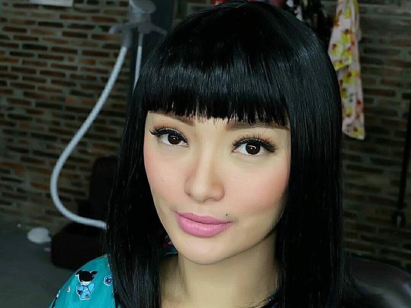 https: img.okezone.com content 2018 07 27 194 1928062 tampilan-rambut-baru-zaskia-gotik-mirip-cleopatra-bikin-gempar-jagat-maya-72CG7jV2Mw.jpg