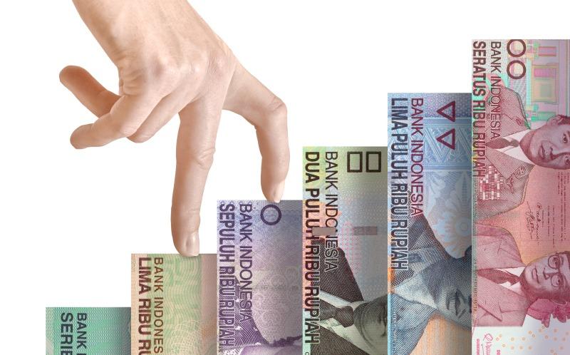 https: img.okezone.com content 2018 07 27 278 1928309 tekuk-dolar-as-rupiah-semakin-menguat-ke-rp14-417-usd-0xgRZKCSv3.jpg