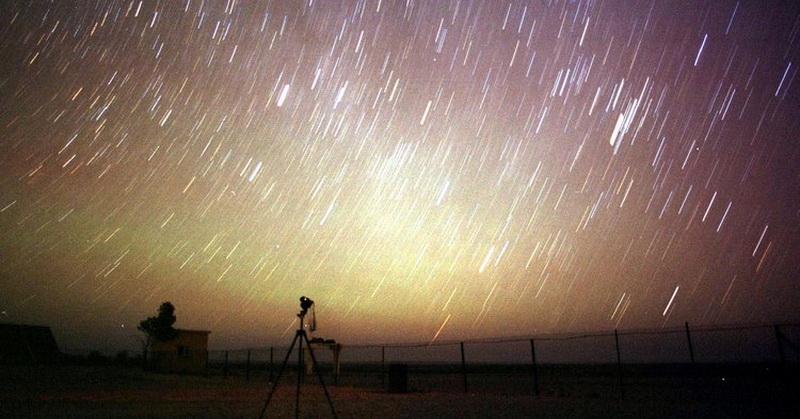 https: img.okezone.com content 2018 07 27 56 1928360 kenali-lebih-dekat-hujan-meteor-delta-aquariid-GKatnKOlBN.jpg