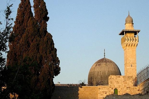 https: img.okezone.com content 2018 07 29 18 1928829 serangkaian-gempa-di-yerusalem-diduga-ciptaan-israel-untuk-hancurkan-masjid-al-aqsa-8O4NbsQN6k.jpg