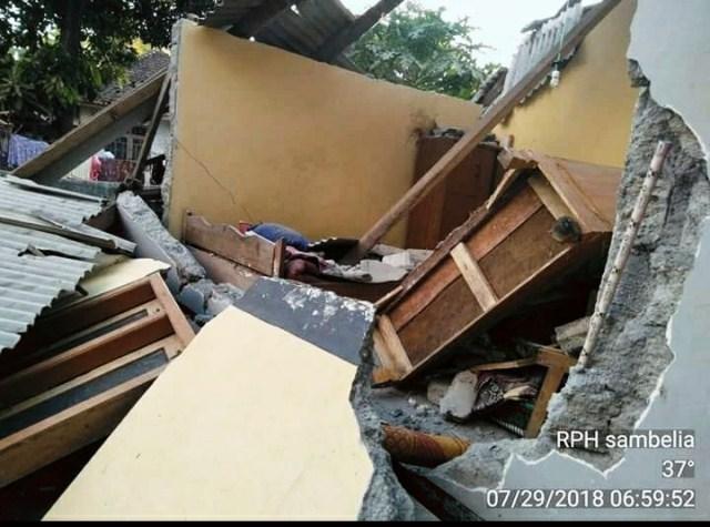 https: img.okezone.com content 2018 07 29 340 1928851 korban-tewas-gempa-lombok-bertambah-jadi-10-orang-oY1lqU4KmF.jpeg