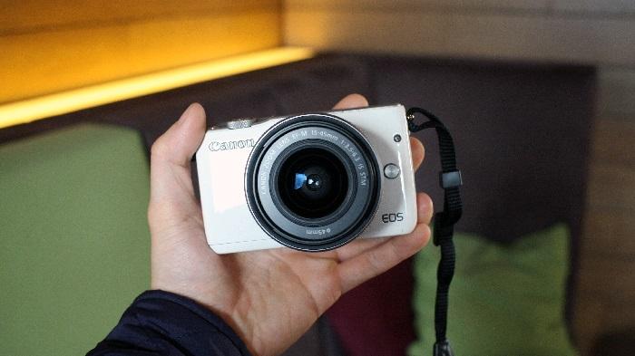 https: img.okezone.com content 2018 07 31 57 1929936 5-kamera-mirrorless-rp5-jutaan-cocok-untuk-millennial-QNi92W3XY2.jpg