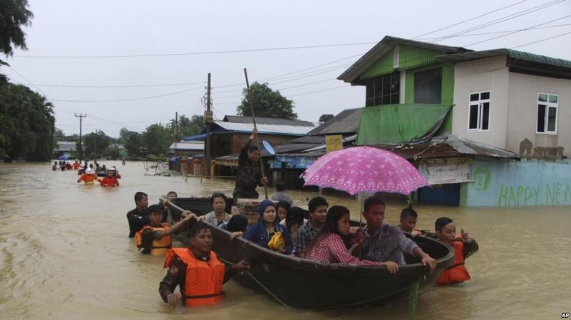 https: img.okezone.com content 2018 08 01 18 1930573 12-orang-tewas-akibat-banjir-di-myanmar-132-ribu-terpaksa-mengungsi-wgRKYZKlDv.jpg