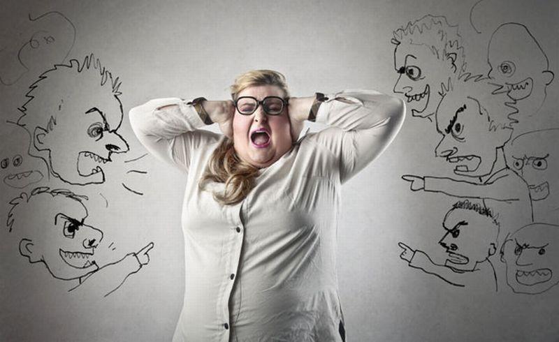 https: img.okezone.com content 2018 08 06 196 1932405 tenang-ini-cara-menanggapi-suami-yang-lakukan-body-shaming-th95lskliH.jpg