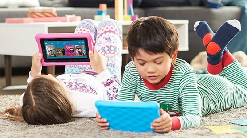 https: img.okezone.com content 2018 08 07 481 1932946 media-sosial-membuat-anak-anak-memiliki-mental-usia-3-tahun-n53aYWrG3i.jpg