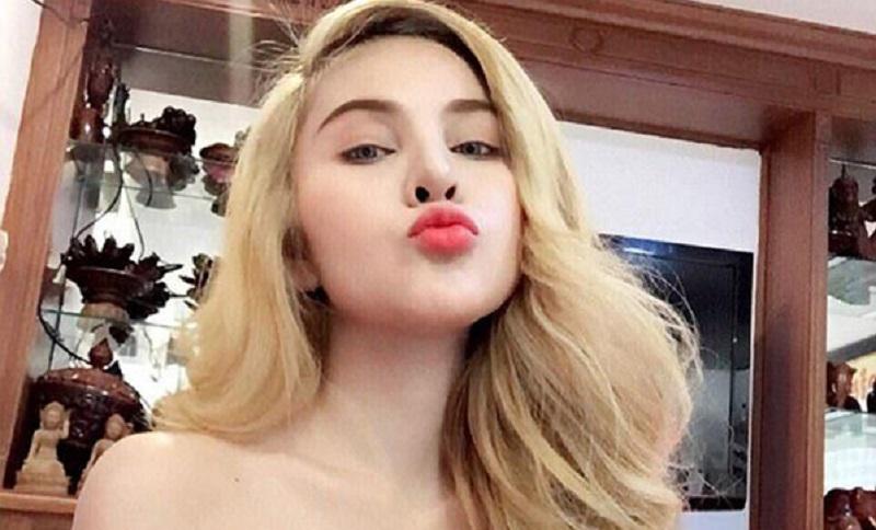 https: img.okezone.com content 2018 08 08 194 1933615 tubuhnya-terlalu-seksi-artis-cantik-ini-dilarang-main-film-kVmJ3zLsUY.Jpeg