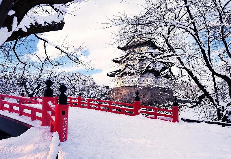 https: img.okezone.com content 2018 08 10 406 1934647 musim-salju-jadi-waktu-terbaik-untuk-liburan-ke-jepang-P0ExexHPtX.jpg