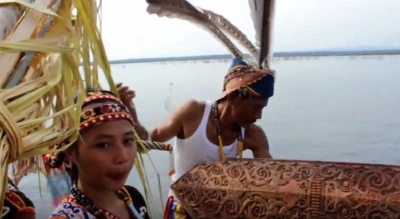 https: img.okezone.com content 2018 08 13 406 1936035 kabupaten-kapuas-hulu-siap-gelar-festival-danau-sentarum-2018-dZeSl5esAw.jpg