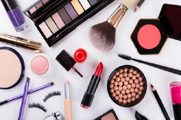 https: img.okezone.com content 2018 08 15 194 1936716 pakai-bahan-tidak-aman-12-merk-kosmetik-disita-bpom-ri-ada-merk-terkenal-l2zct1YHkC.jpg