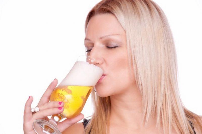 https: img.okezone.com content 2018 08 15 481 1936836 minum-alkohol-perlahan-hancurkan-gigi-anda-masih-berani-TabaKV7265.jpg
