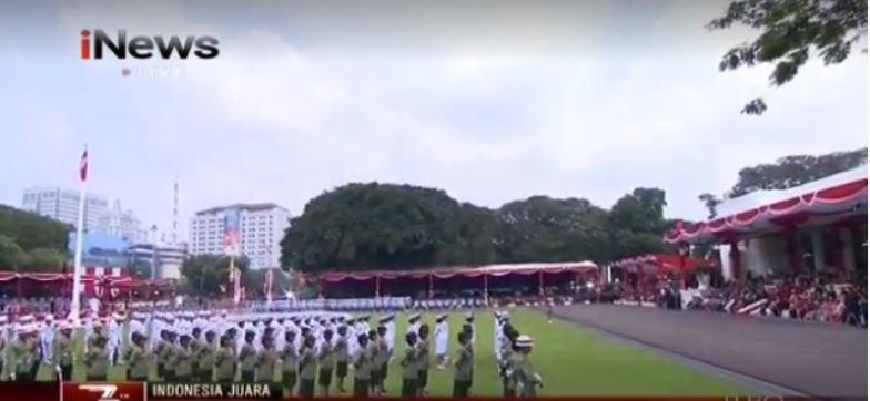 https: img.okezone.com content 2018 08 17 337 1937847 saat-sang-saka-merah-putih-berkibar-di-upacara-hut-ke-73-ri-h7XebqYjsH.JPG