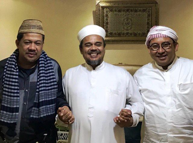 https: img.okezone.com content 2018 08 17 337 1937940 fadli-zon-dan-fahri-hamzah-ngobrol-5-jam-dengan-habib-rizieq-di-makkah-hQSElH15OV.jpg