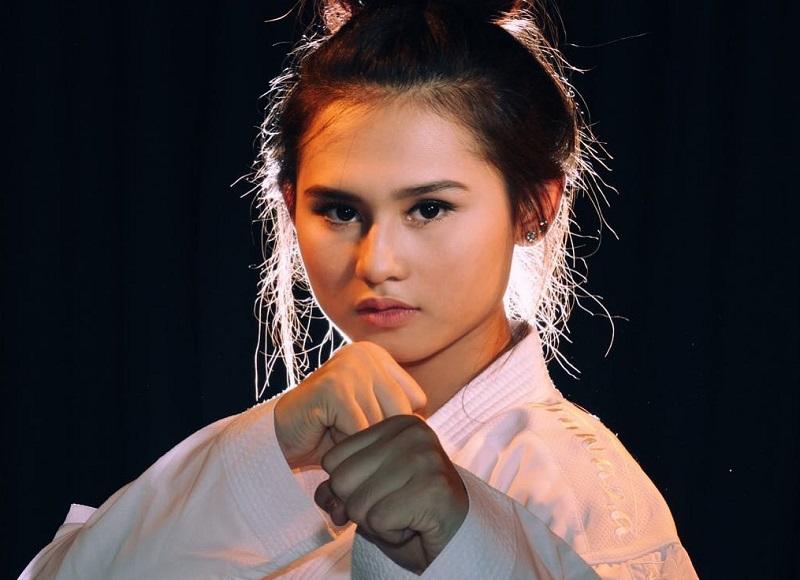https: img.okezone.com content 2018 08 18 194 1938291 cantiknya-ceyco-georgia-atlet-karate-indonesia-yang-siap-bikin-pria-terpesona-di-asian-games-PCrlA2fZyH.jpg