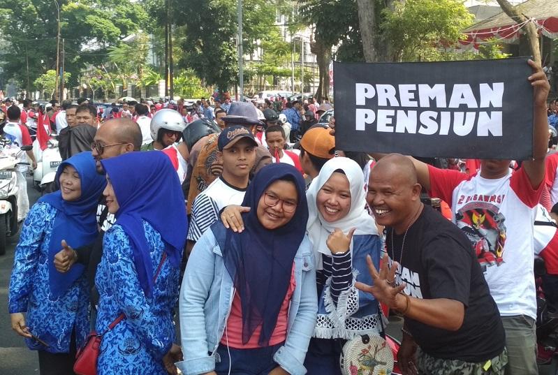 https: img.okezone.com content 2018 08 18 598 1938233 rayakan-hut-ke-73-ri-ini-doa-para-pemain-preman-pensiun-untuk-indonesia-QR30H9VVRT.jpg