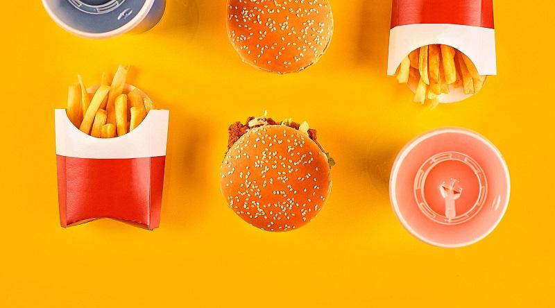 https: img.okezone.com content 2018 08 20 298 1938947 ini-alasan-logo-dan-kemasan-makanan-cepat-saji-dominan-warna-kuning-UFa2ALL9MF.jpg