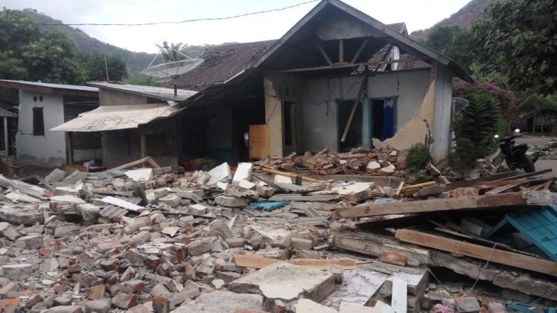 https: img.okezone.com content 2018 08 20 406 1939068 pasca-gempa-pemerintah-naikkan-pamor-lombok-jadi-tempat-aman-dikunjungi-turis-fOGKybQhYq.jpg