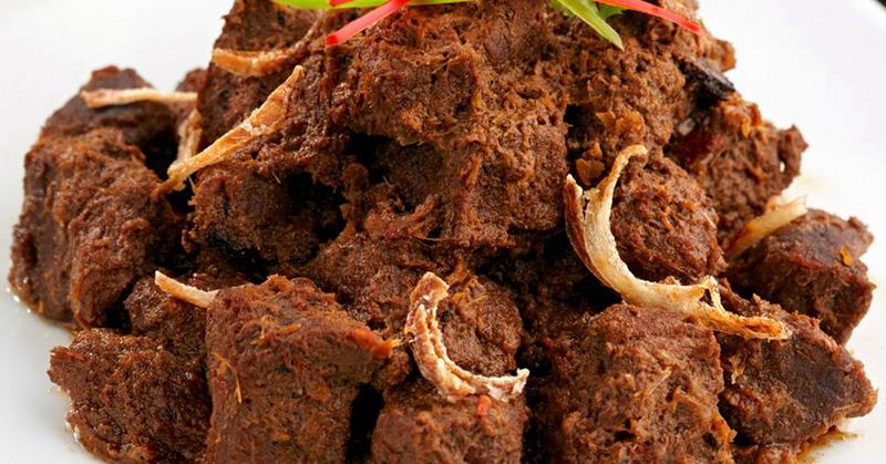 https: img.okezone.com content 2018 08 24 298 1940859 rendang-yang-lezat-dari-daging-kurban-simak-tipsnya-RfWfMc2MGF.jpg