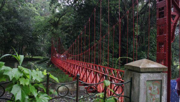 Sejarah Jembatan Merah Kebun Raya Bogor