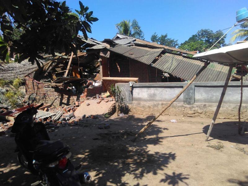 https: img.okezone.com content 2018 08 25 340 1941271 dalam-masa-transisi-situasi-di-lombok-kian-membaik-sgGahc5gan.jpg