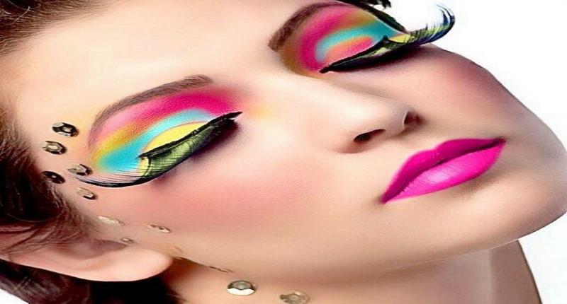 https: img.okezone.com content 2018 08 28 194 1942553 7-kesalahan-umum-sering-dilakukan-wanita-saat-terapkan-make-up-46jwbnPHbS.jpg