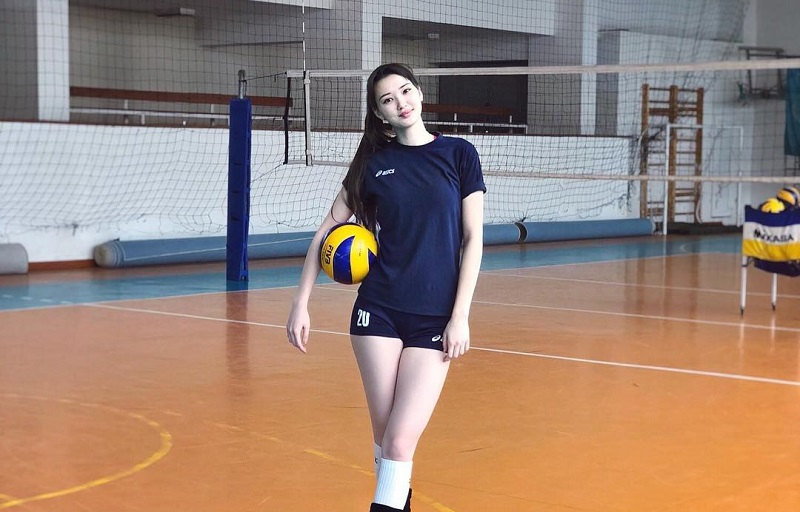 https: img.okezone.com content 2018 08 28 194 1942638 potret-kecantikan-sabina-altynbekova-atlet-voli-putri-kazakhstan-yang-memesona-H8FcxsVyQP.jpg