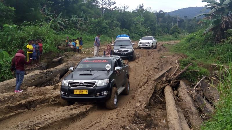 https: img.okezone.com content 2018 08 30 406 1943814 kuras-energi-susuri-belahan-hutan-papua-dari-manokwari-teluk-bintuni-xeOgLsEHak.jpg