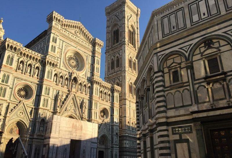 https: img.okezone.com content 2018 08 30 406 1943872 menatap-keindahan-florence-italia-gudangnya-hasil-karya-seniman-ternama-2iYAEVwjnx.jpg