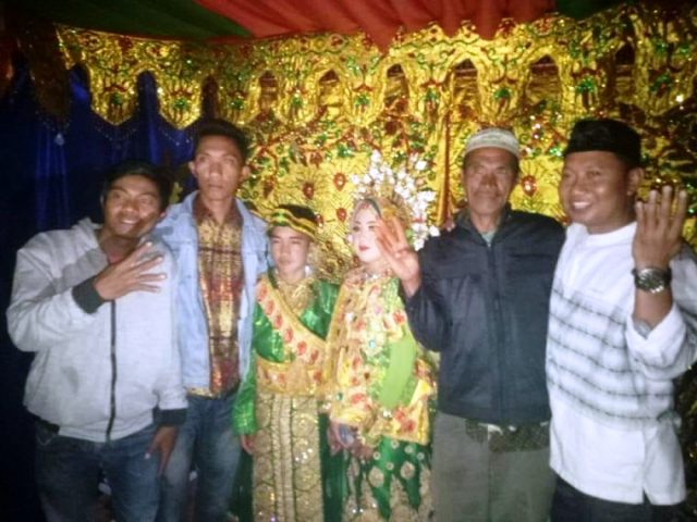 https: img.okezone.com content 2018 09 02 340 1944761 pernikahan-bocah-sd-dan-siswi-smk-di-bantaeng-tidak-tercatat-di-kua-yF6MaxumXI.jpg