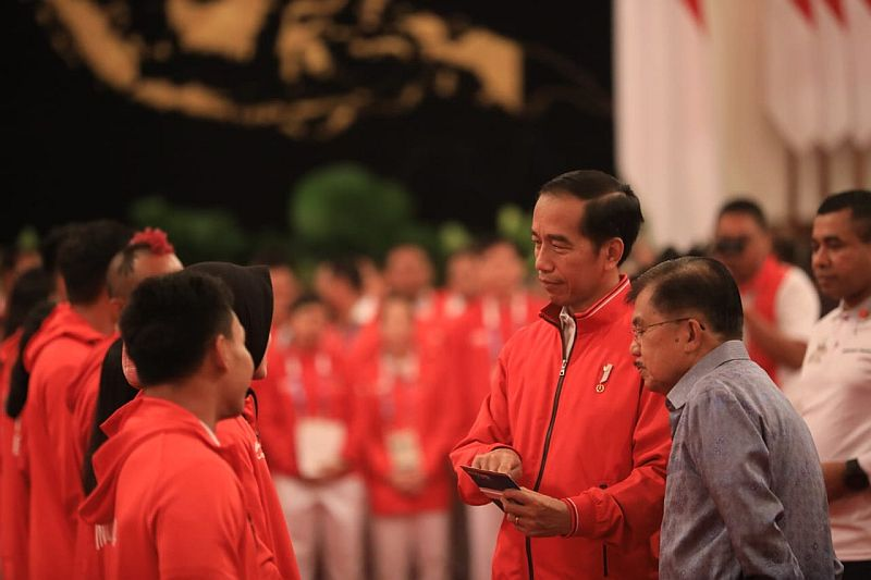 https: img.okezone.com content 2018 09 02 601 1944937 jokowi-ajak-doa-bersama-untuk-lombok-di-upacara-penutupan-asian-games-2018-W9vlEOk2GM.jpg