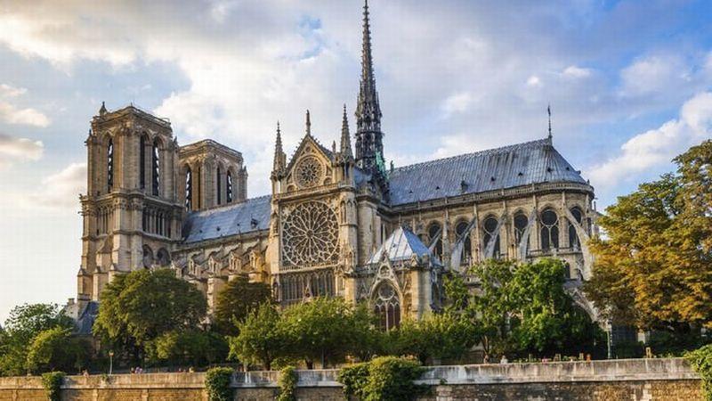 https: img.okezone.com content 2018 09 05 406 1946102 punya-arsitektur-unik-ini-5-gereja-yang-terkenal-keindahannya-bbWYMuEnzc.jpg