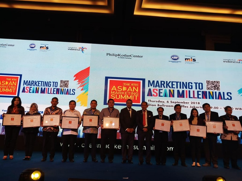 https: img.okezone.com content 2018 09 06 278 1947040 mnc-group-dan-rcti-raih-penghargaan-di-the-4th-asean-marketing-summit-4TkxTYmkuG.jpeg
