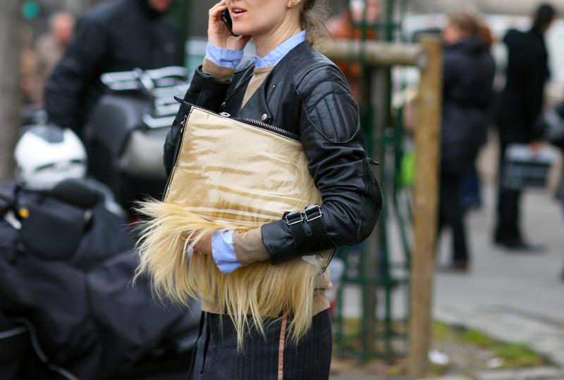 https: img.okezone.com content 2018 09 07 194 1947350 dikritik-pencinta-lingkungan-burberry-stop-penggunaan-bulu-hewan-HJHmqBcmHQ.jpg