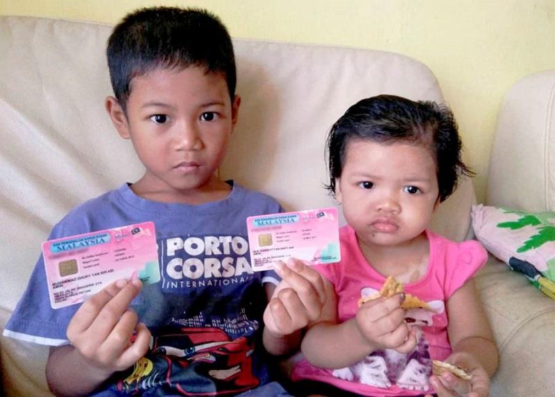 https: img.okezone.com content 2018 09 07 196 1947433 viral-2-bocah-di-malaysia-ini-diberi-nama-durian-dan-rambutan-oleh-orangtuanya-6y4EyJsOym.jpg