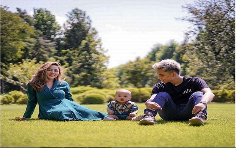 https: img.okezone.com content 2018 09 07 406 1947328 intip-keseruan-liburan-selebgram-rachel-vennya-bersama-suami-anaknya-yang-menggemaskan-di-jepang-wGEPCne5p4.jpg
