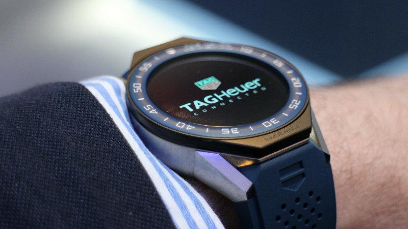 https: img.okezone.com content 2018 09 08 194 1947998 bertabur-245-berlian-smartwatch-ini-jadi-yang-termahal-di-dunia-cMLTvfE6Tr.jpg