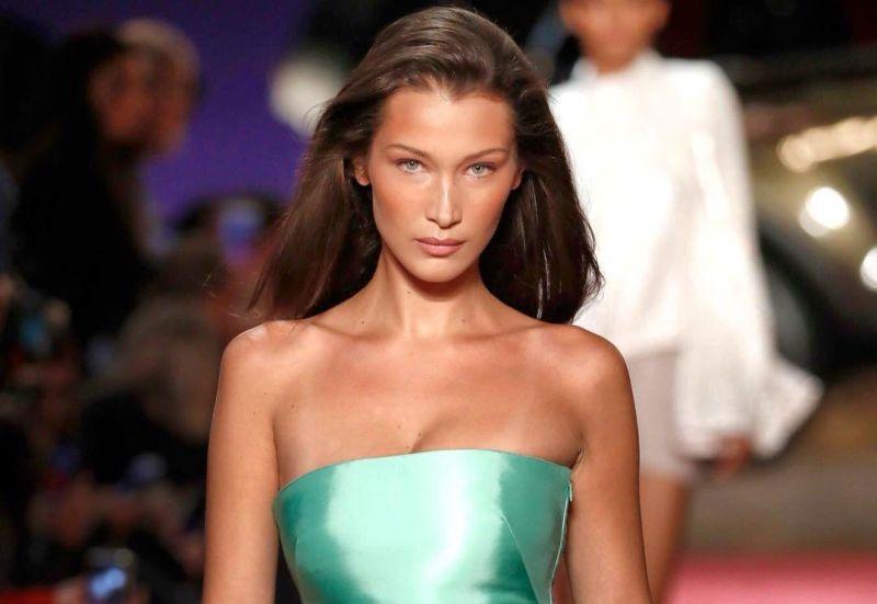 https: img.okezone.com content 2018 09 10 194 1948508 yuk-sontek-cantiknya-gaya-bella-hadid-dari-casual-hingga-glamour-Bu5wdLfTHt.jpg