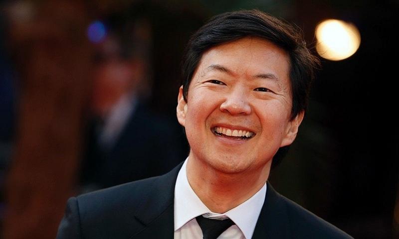 https: img.okezone.com content 2018 09 14 206 1950617 komedian-ken-jeong-berambisi-gantikan-henry-cavill-jadi-superman-2ZbtOAcVBN.jpg