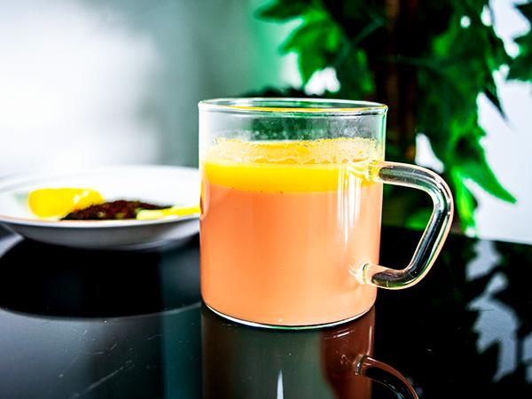 https: img.okezone.com content 2018 09 17 298 1951376 cobain-deh-butter-tea-minuman-populer-untuk-diet-paleo-A2430CrQSh.jpg