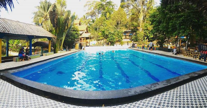 Nikmatnya Mandi Menyatu Dengan Alam Di Kolam Renang Cikarelek Banten Okezone Travel