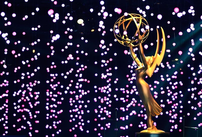 https: img.okezone.com content 2018 09 19 194 1952528 emmy-awards-2018-inilah-7-selebriti-dengan-busana-terbaik-YEn0PkaNAL.jpg