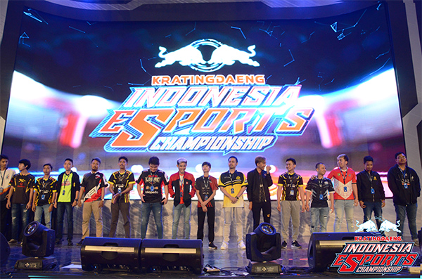 https: img.okezone.com content 2018 09 19 326 1952888 louvre-juggernaut-juarai-kratingdaeng-indonesia-esports-championship-2018-NZ5xZkFULK.jpg