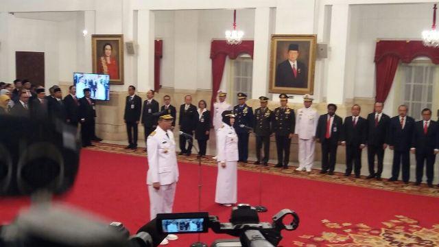 https: img.okezone.com content 2018 09 19 337 1952508 presiden-jokowi-melantik-gubernur-dan-wakil-gubernur-ntb-QHOhpTwEIX.jpg