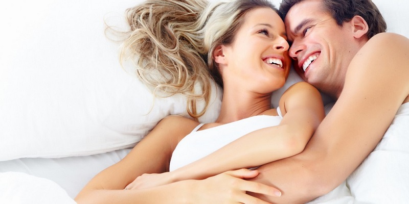 https: img.okezone.com content 2018 09 22 481 1954263 bumbui-dengan-8-jurus-ini-agar-hubungan-seks-tak-membosankan-YTxkG20cNv.jpg