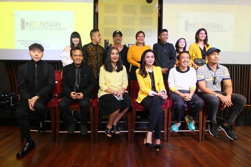 https: img.okezone.com content 2018 09 25 598 1955413 deretan-nominasi-14-kategori-ajang-penghargaan-indonesian-television-awards-2018-YJsK0iOiSy.jpg