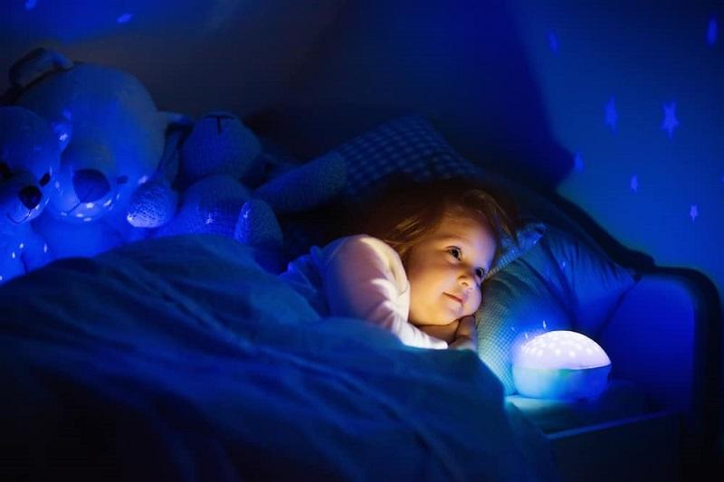 https: img.okezone.com content 2018 09 27 196 1956391 ingin-anak-kamu-bisa-tidur-di-kamar-gelap-ini-caranya-vuSGVtyU28.jpg