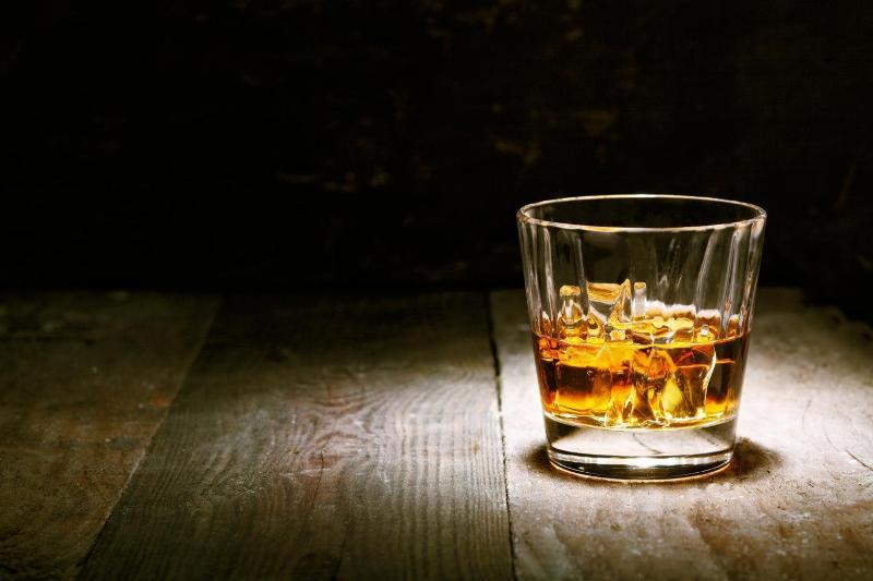 https: img.okezone.com content 2018 09 28 481 1956935 sering-lupa-ingatan-setelah-minum-alkohol-ini-alasannya-D8HGBSv1Wh.jpg